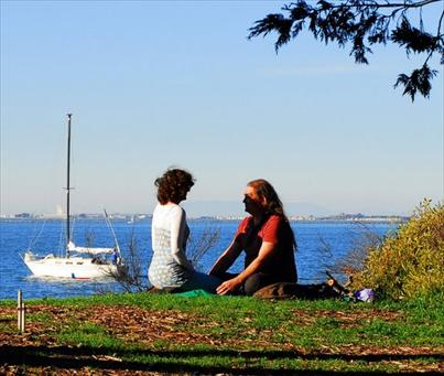 couple enjoying the marina park